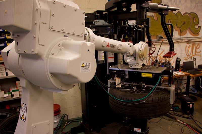 Роботезированный шиномонтаж