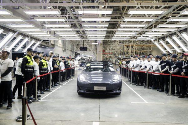 Тесла воскрешает дальний RWD Model 3 для китайского рынка